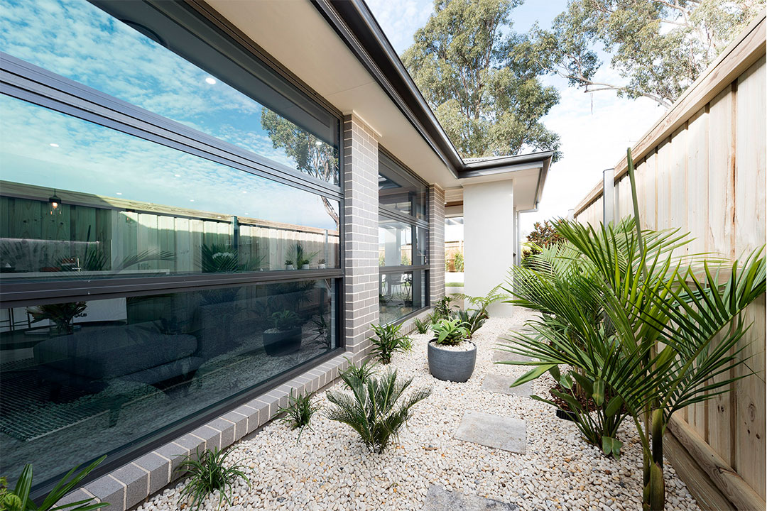 76mm awning windows